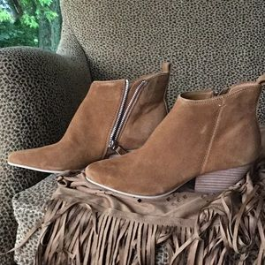 Dolce Vita: Ankle Boot size 7 .5